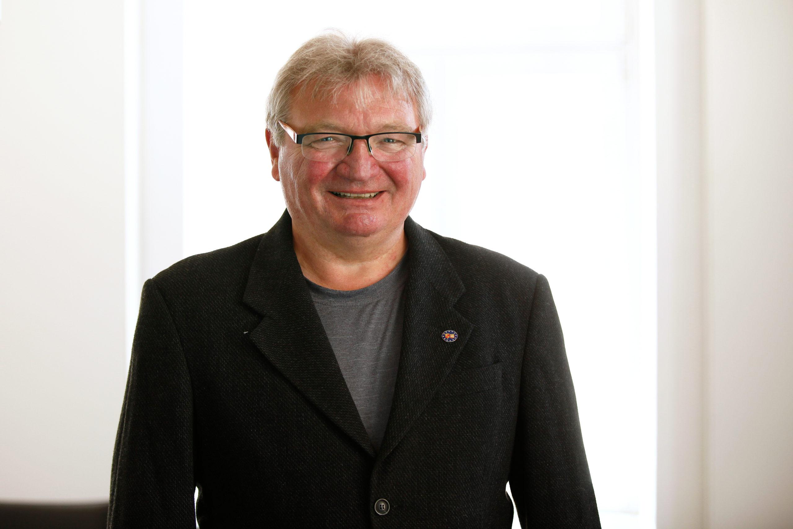 Günter Dieker